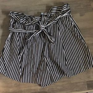 tie stripped shorts